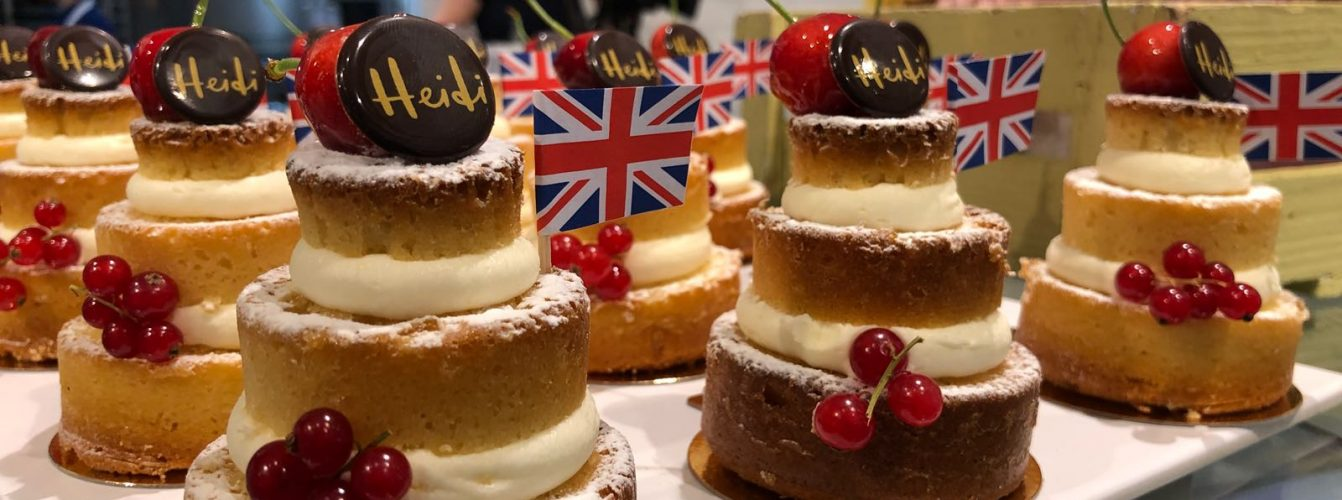royal-wedding-cake-minis